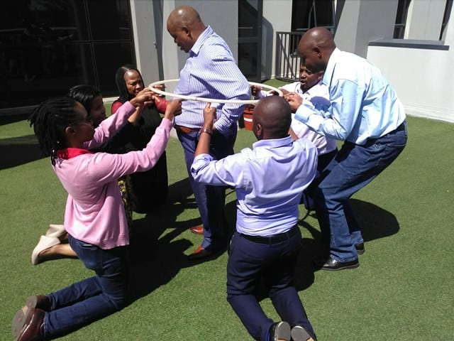 ice_breakers_team_building